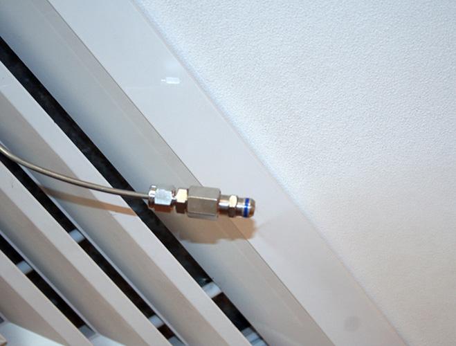 Форсунка выведенная из вентиляционной решётки